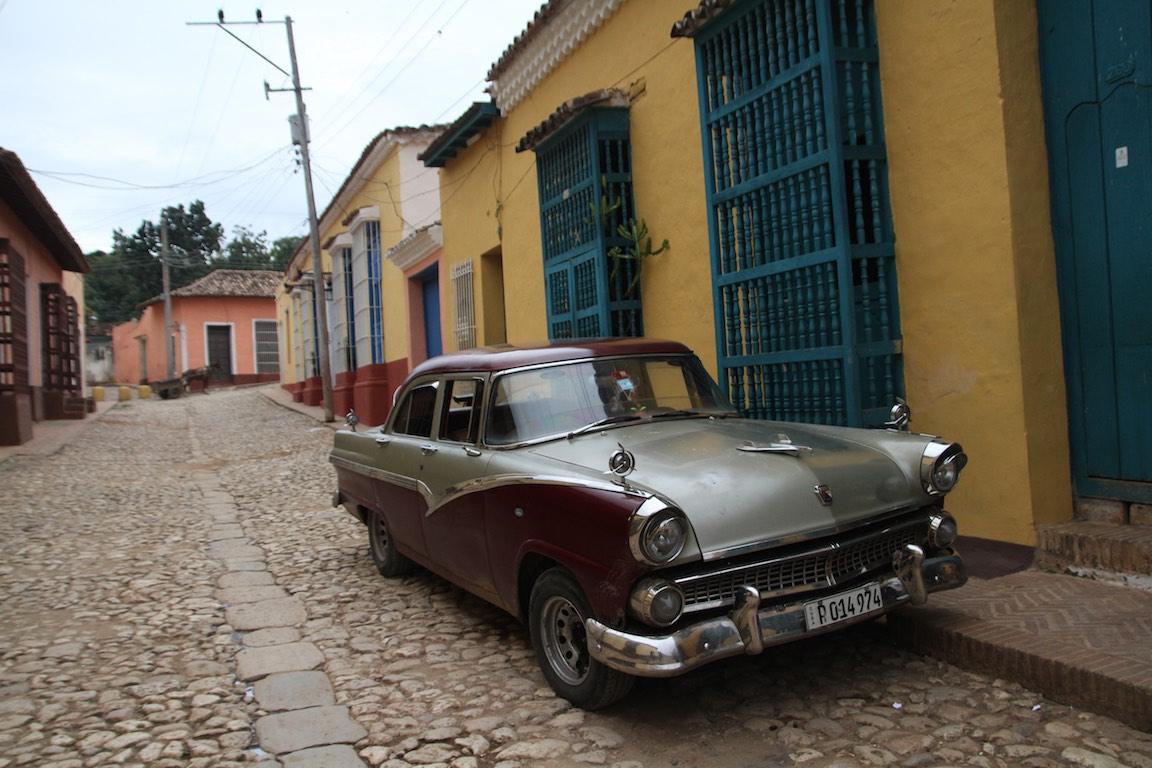 Cuban Cars in original setting